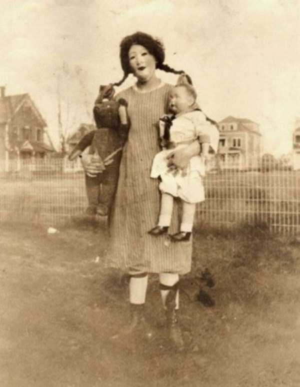 bizarre-photos-from-the-past (8)