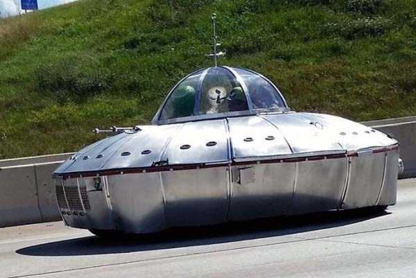 Strange-Looking Vehicles Spotted All Over The World (42 photos) 42