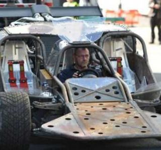 Behind the Scenes of Fast and Furious (99 photos)