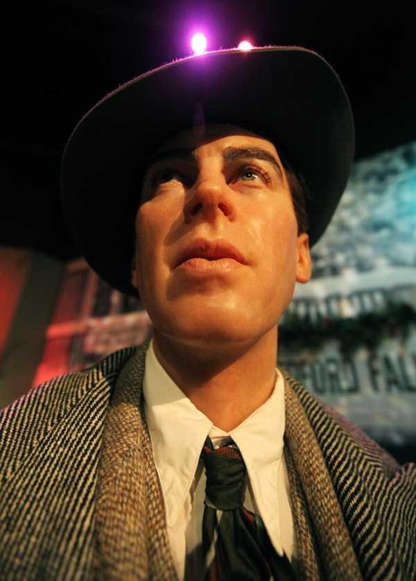 hollywood-stars-lifelike-wax-figures (38)