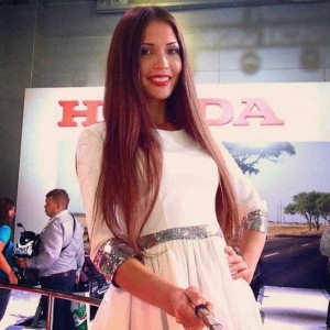 Attractive Hostesses of Moscow Car Show Taking Selfies (26 photos) 20