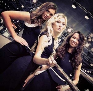 Attractive Hostesses of Moscow Car Show Taking Selfies (26 photos) 25