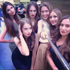 Attractive Hostesses of Moscow Car Show Taking Selfies (26 photos) 8