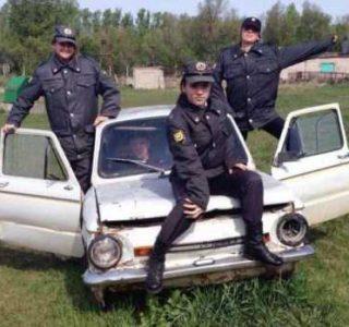 Russian Girls in Uniforms (30 photos)