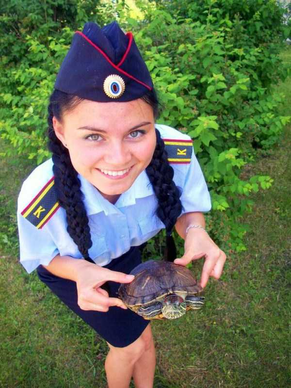hot-russian-women-in-various-uniforms (14)