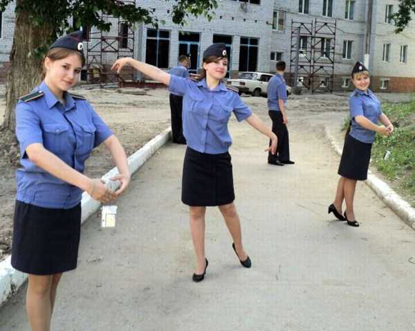 hot-russian-women-in-various-uniforms (27)