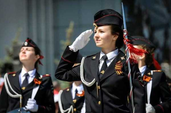 hot-russian-women-in-various-uniforms (5)