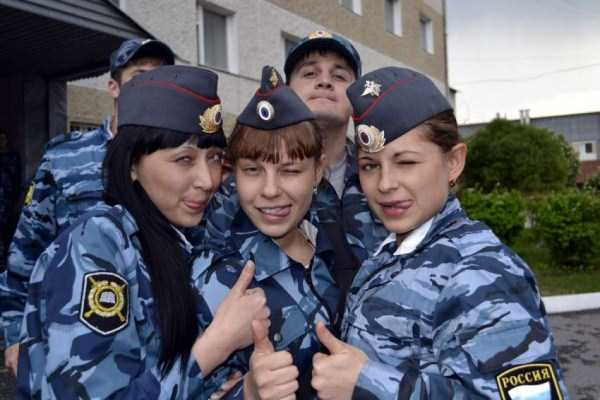 hot-russian-women-in-various-uniforms (6)