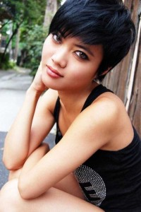 Short-Haired Beauties (24 photos) 10