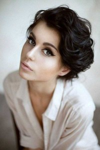 Short-Haired Beauties (24 photos) 14