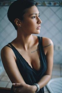 Short-Haired Beauties (24 photos) 17