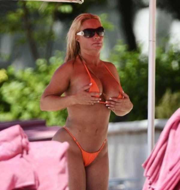 ice-t-coco-austin-at-the-beach (24)