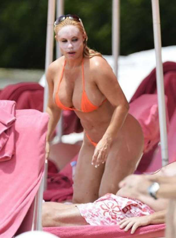 ice-t-coco-austin-at-the-beach (25)