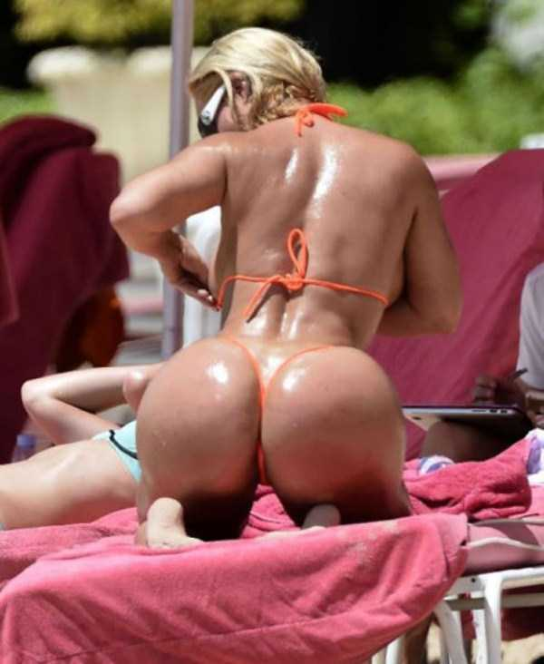ice-t-coco-austin-at-the-beach (29)