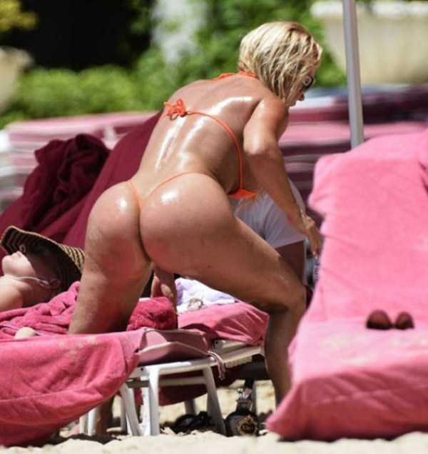 ice-t-coco-austin-at-the-beach (30)