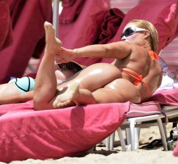 ice-t-coco-austin-at-the-beach (34)