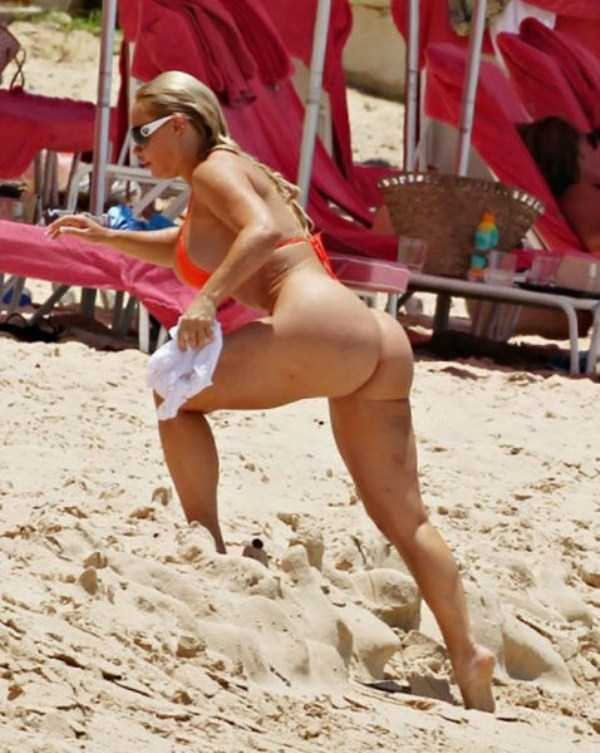 ice-t-coco-austin-at-the-beach (5)