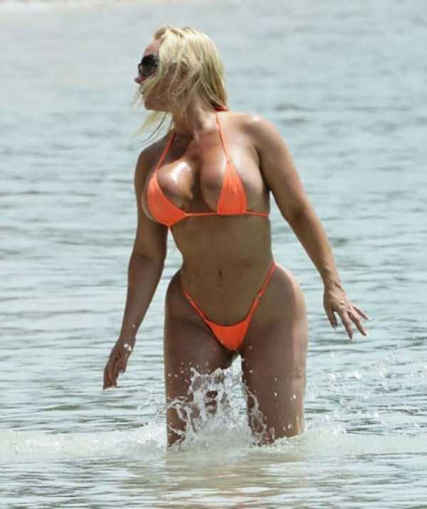 ice-t-coco-austin-at-the-beach (9)
