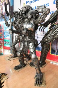 Awesome Metal Sculptures Made From Used Car Parts (20 photos) 11