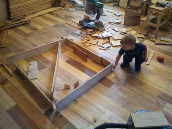 Wooden Flooring Made From Old Shipping Pallets (31 photos) 22