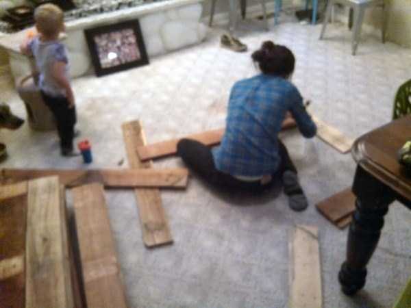 old-pallets-flooring (5)