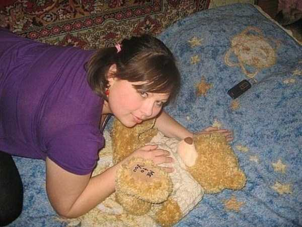 russian-girls-and-rugs (19)
