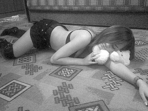 russian-girls-and-rugs (2)