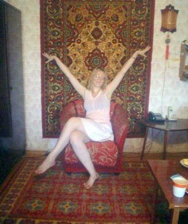 russian-girls-and-rugs (52)