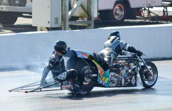 Bizarre Drag Racing Accident (11 photos) 7