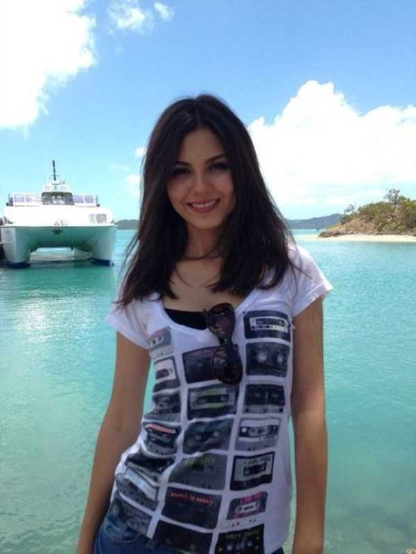victoria-justice-leaked-photos-34
