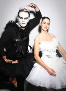 Couples Halloween Costumes That are Quite Impressive (30 photos) 25