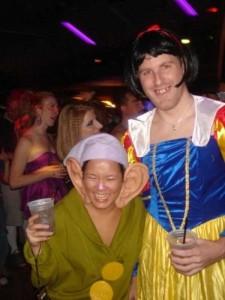 Couples Halloween Costumes That are Quite Impressive (30 photos) 27