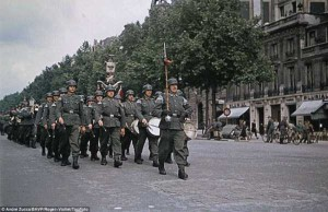 Life in Occupied Paris During the Second World War (36 photos) 17