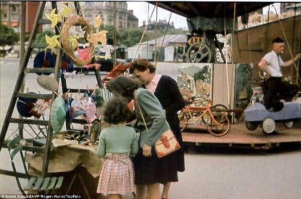 Paris-during-Nazi-occupation  (32)