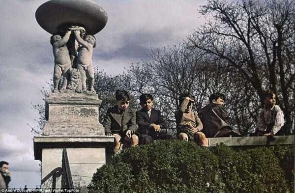 Paris-during-Nazi-occupation  (5)