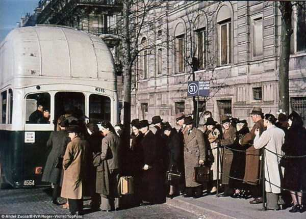 Paris-during-Nazi-occupation  (7)