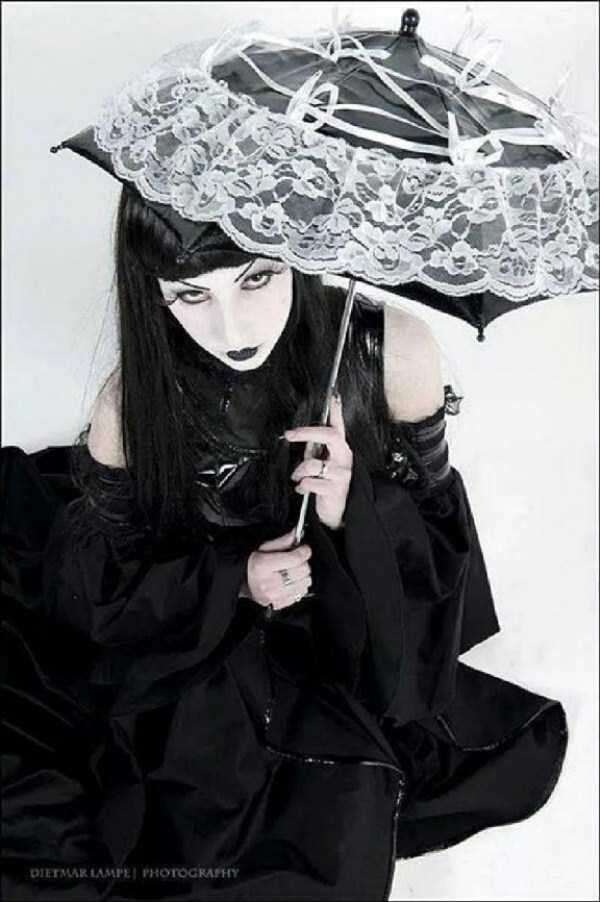 Real-Gothic-Girls (16)
