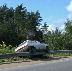 Totally Absurd Car Crashes (32 photos) 12