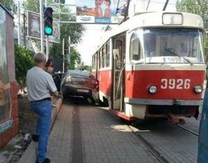 Totally Absurd Car Crashes (32 photos) 19