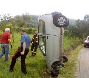 Totally Absurd Car Crashes (32 photos) 28