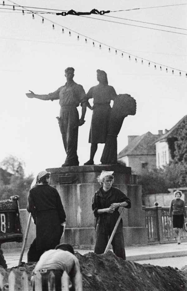 black-and-white-photos-from-the-soviet-union (17)
