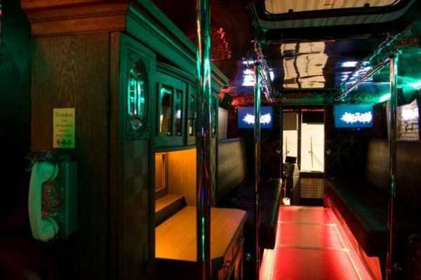 bus-converted-into-night-bar (14)