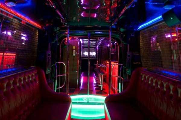 bus-converted-into-night-bar (15)