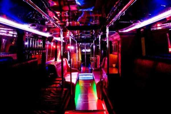 bus-converted-into-night-bar (16)