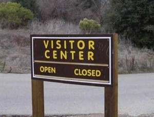 33 Totally Confusing Signs (33 photos) 10