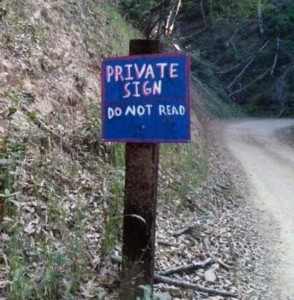 33 Totally Confusing Signs (33 photos) 12