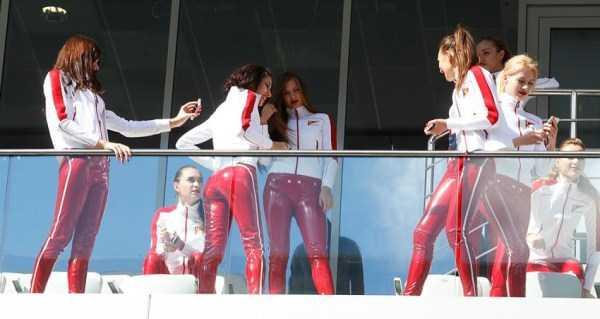 formula-one-sochi-grid-girls (1)