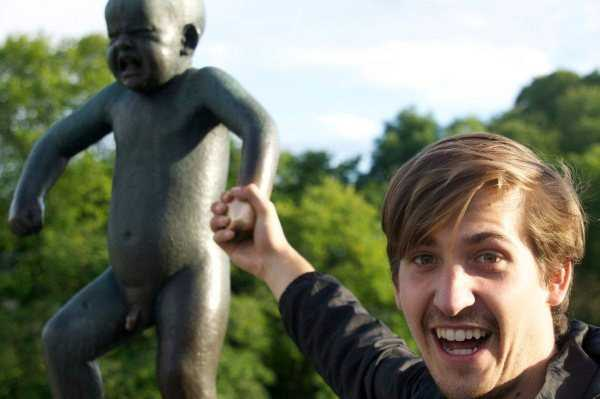 fun-with-statues-(38)