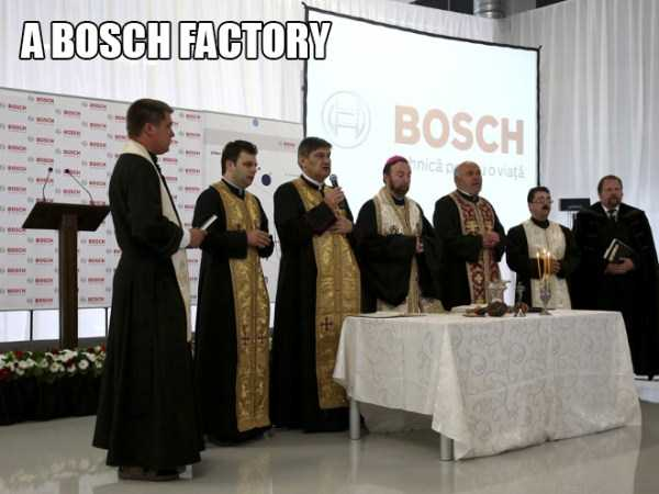 romanian-priests-blessing-(3)