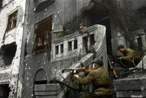Colorized Photos of Soviet Red Army in WW II (40 photos)  33